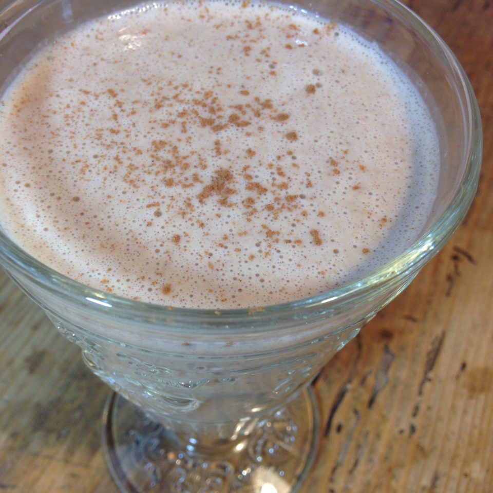 super healthy low calorie oat and banana smoothie