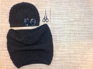 Free pattern for a puff stitch hat and loop by Habiba from Craftifymylove.com