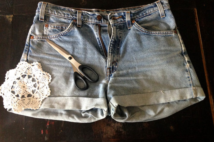 You'll need lace, scissors and a sewing machine to make your too tight shorts comfortable again.