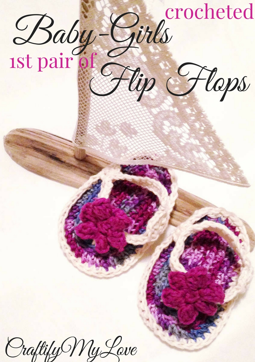 Free crochet pattern: Click to start crocheting baby flip flops for little girls.