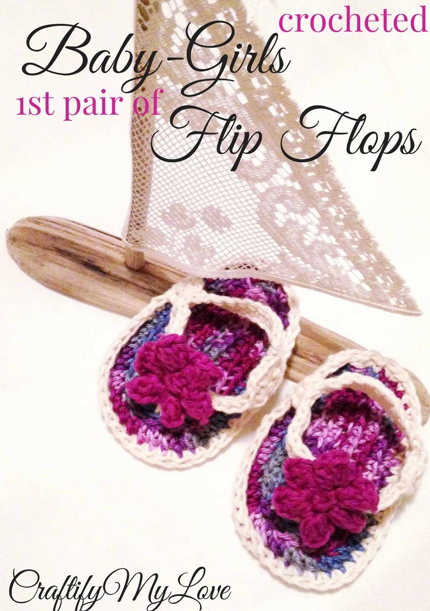 Free crochet pattern: Click to start crocheting baby flip flops for little girls.