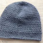 Quickly done crocheted basic men's hat or beanie in dark grey