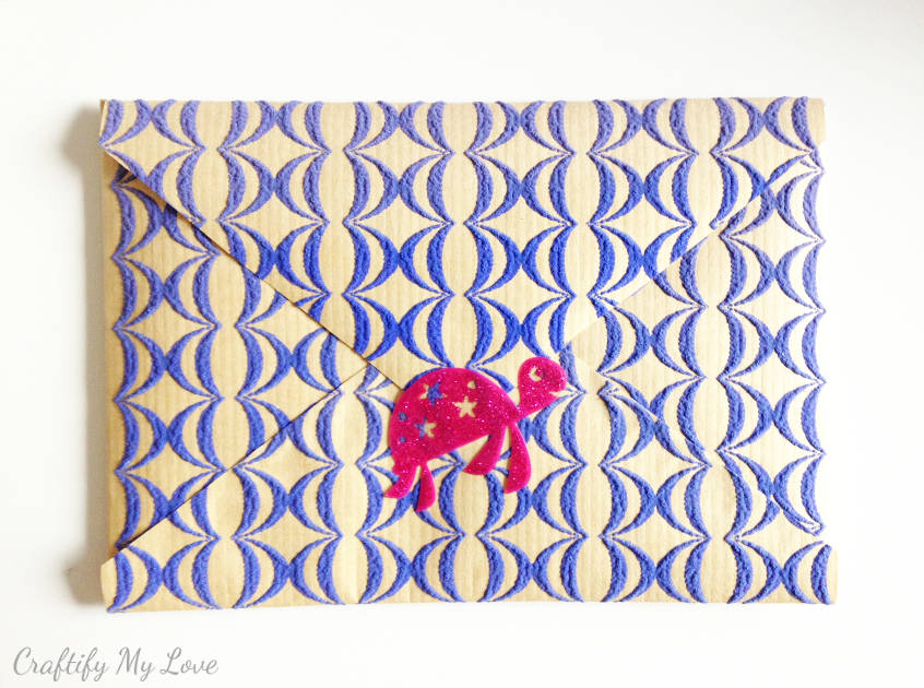 how to close a handmade envelope when there is no sticky boarder