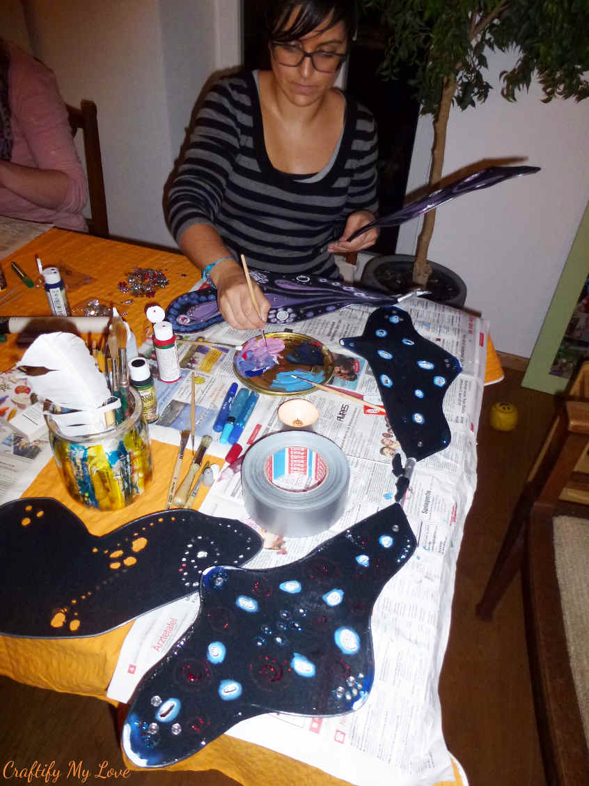 no-sew DIY butterfly wings workshop for halloween