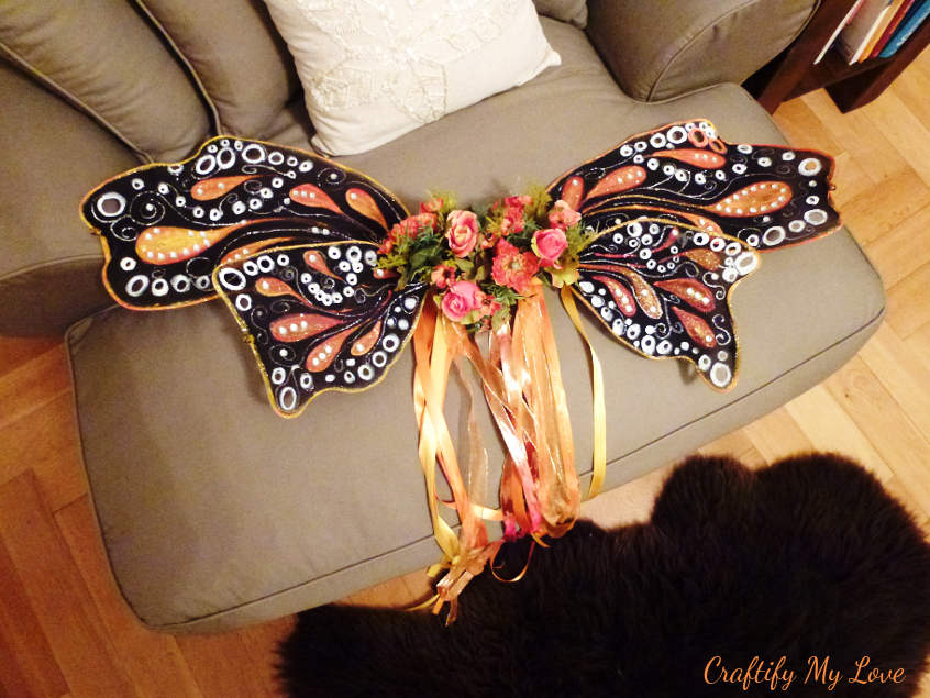 gorgeous sparkly butterfly wings as halloween costume can also be used as fairy wings