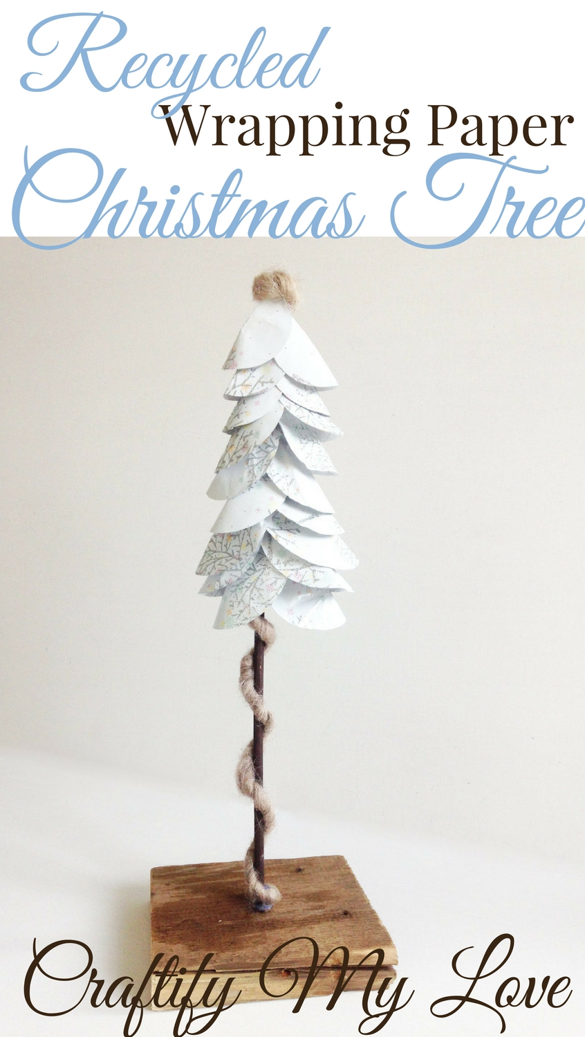 DIY Recycled Wrapping Paper Christmas Tree | #papercrafts #christmasdecorations #diychristmasdecor #reclaimedwood #recycling #upcycling #recycledwrappingpaper