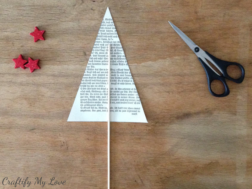 learn how to make a paper Christmas tree from vintage books