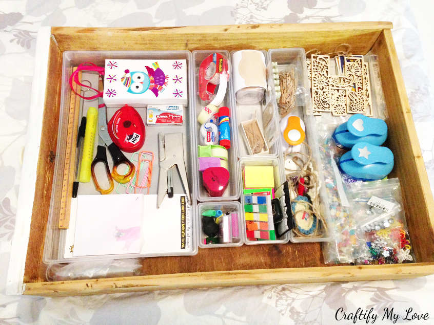 decluttering and organising that junk drawer with drawer dividers