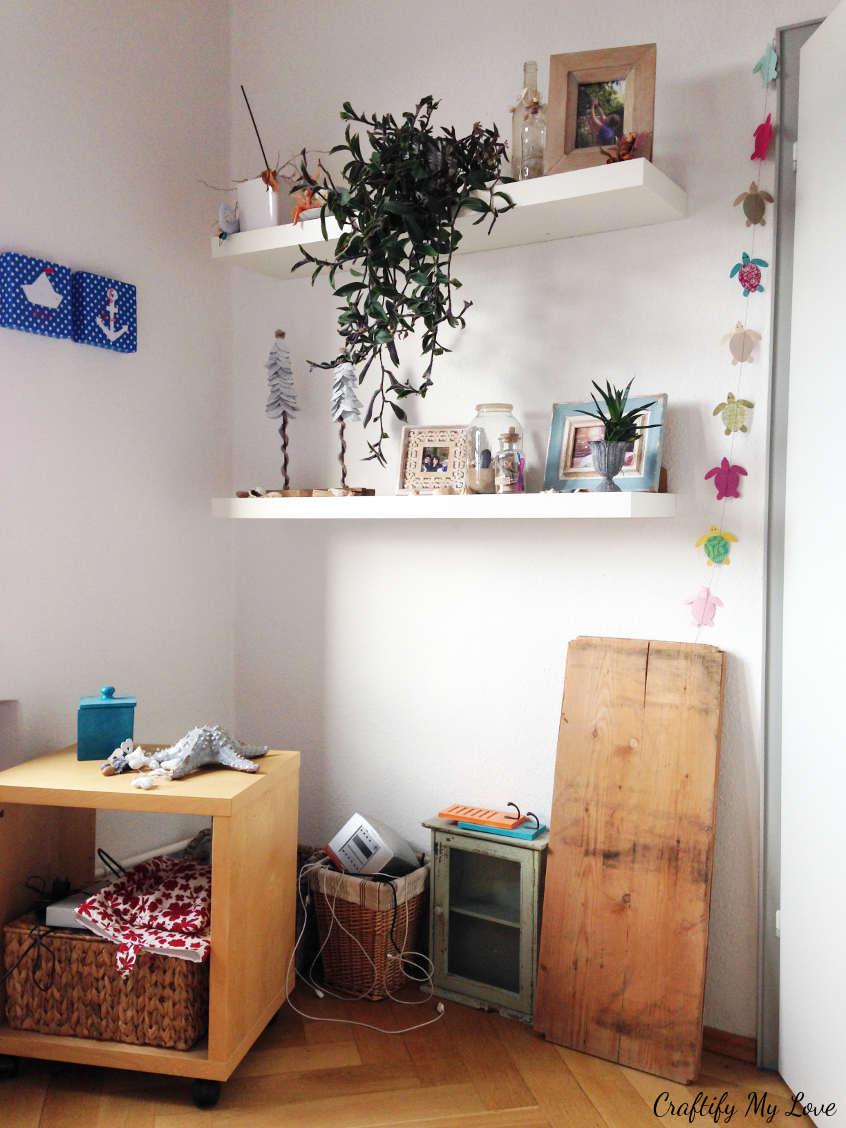 Lost space behind bedroom door