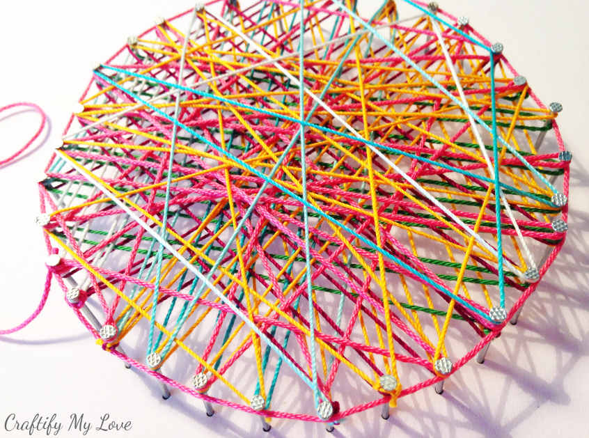 String art circle ball of yarn technique