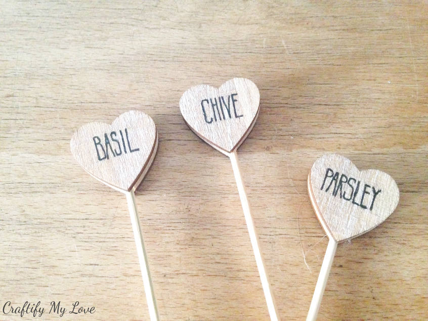 simple garden DIY: set of three herb markers: parsley basil chive