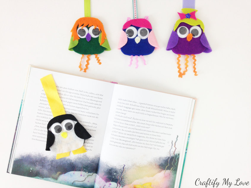 craft these happy bookmarks as a fun summer reading motivation for your kids.