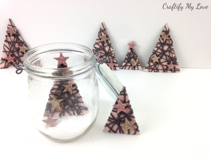 Christmas in a jar - part of the 12 days of Christmas challenge 2018. This project: Paper Christmas trees