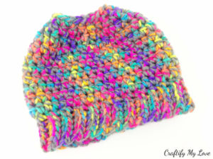 30 minutes super simple messy bun hat or ponytail hat free crocheting pattern